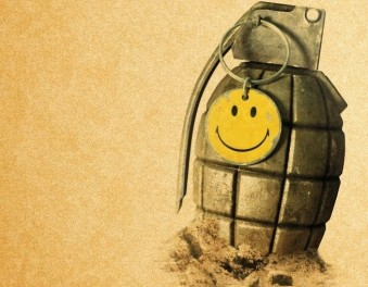 video_games_battlefield_smiley_face_grenades_bad_company_2_desktop_1920x1080_wallpaper-1041286