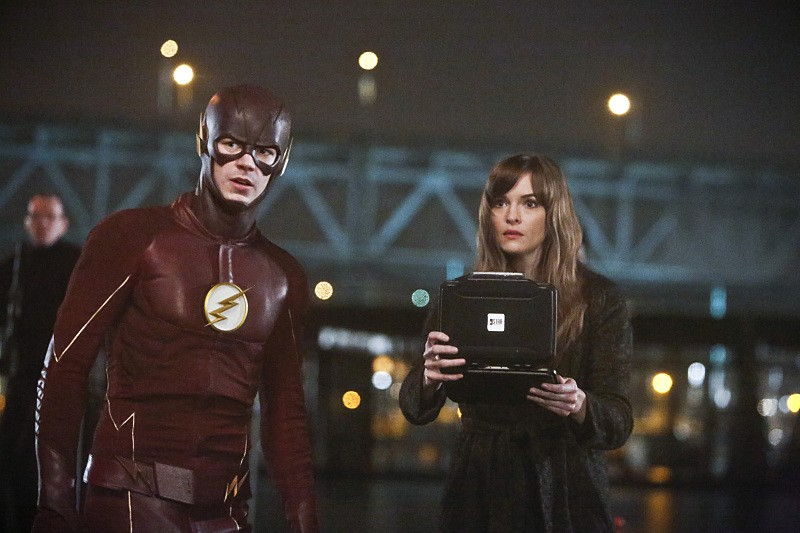 "The Flash -- ""King Shark"" -- Image FLA215b_0163b -- Pictured (L-R): Grant Gustin as Barry Allen / The Flash and Danielle Panabaker as Caitlin Snow -- Photo: Bettina Strauss/The CW -- © 2016 The CW Network, LLC. All rights reserved."